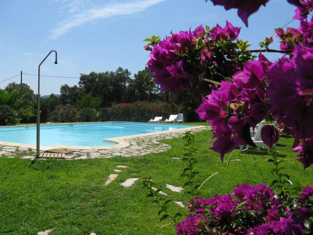 R sidence porto vecchio marina di faut a location d for Residence porto vecchio avec piscine